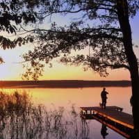 Закат на озере..... :: Александр Литвин