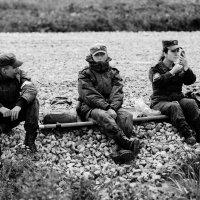 Война, войной, а макияж по расписанию... :: alex_belkin Алексей Белкин