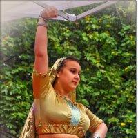 индийский танец, Москва, День города :: Дмитрий Анцыферов