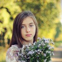 Девочка с цветами :: Сергей Филимонов