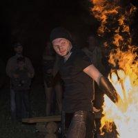 Игра с огнём ...... :: Василий Аникеев