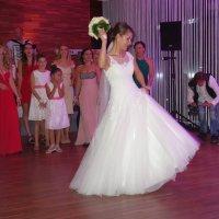 В ожидании букета невесты.. :: Galina Dzubina