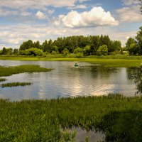 На озере :: Юрий