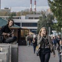 Уличный музыкант.. :: Pavel Kravchenko