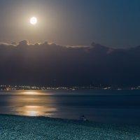 Луна над Абхазией. :: Igor Yakovlev