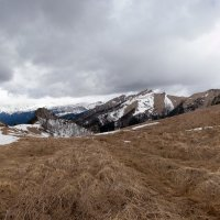 Окресности горы Шапка :: Владимир Куц