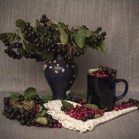 Этюд с осенними ягодами :: Aнна Зарубина