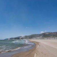 пляжи в ожидании туристов :: AleksandraN Naumova