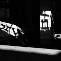 Тени на ступеньках :: Ольга Захаренко