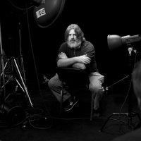 Фотофорум 2013. Антон Мартынов фоткается в фотоателье Игоря Сахарова на аватарку, на условиях ТФП )) :: Низами Софиев