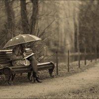 Девушка под зонтом :: Алексей Соминский
