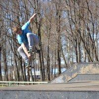Прыжок со скейтом) :: Владислав Пересёлов