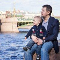 Прогулка с папой :: Анастасия Козлова