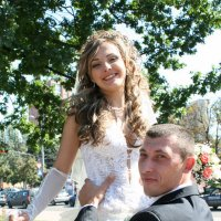 Невеста выше жениха! :: Александр Яковлев  (Саша)