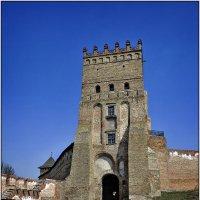 Луцк. Въездная башня замка Любарта. :: Андрей Ясносекирский