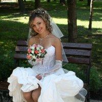 Ах, какое платье у невесты! :: Александр Яковлев  (Саша)