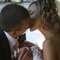 Поцелуй мужа и жены :: Александр Яковлев  (Саша)