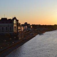 Вечерний вид на музей :: Владислав Пересёлов
