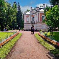 Домик Петра III в Ораниенбауме. :: Сергей Исаенко
