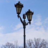 Просто фонарь на набережной. :: Сергей Исаенко