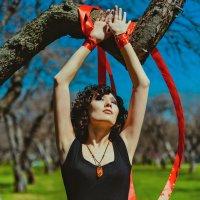 Красная лента :: Марта Май