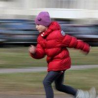 Детвора на роликах - еще один признак весны :: Маргарита Башева
