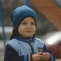 Мальчик на площадке :: Ирина Лучанинова