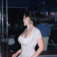 она- влечет, она- загадка, она- женщина... :: Александр Яковлев  (Саша)