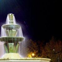 Ночной фонтан :: Дмитрий Зубенин
