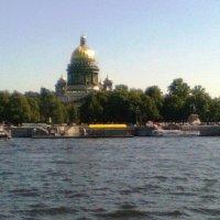 Прогулка по Неве :: Виктор Елисеев
