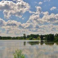Облака над озером :: Святец Вячеслав