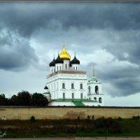 Троицкий собор. Хмурое небо. :: Fededuard Винтанюк