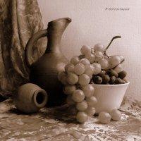 Мускат белый - стародавний сорт винограда. :: Anna Gornostayeva
