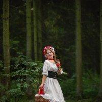 Красная шапочка :: Ludmila Zinovina