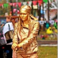 Замершая фигура из золота :: Лидия (naum.lidiya)