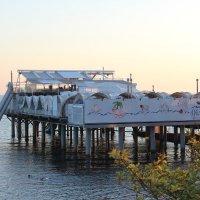 Ресторан на море :: valeriy khlopunov