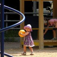 На детской площадке. :: Елена