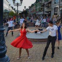 Уличные танцы :: Валерий Чернов
