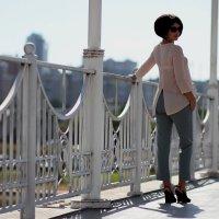 на мосту :: Елена Лабанова