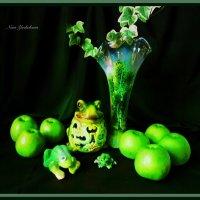 """Натюрморт """"Зелёные яблоки"""" :: Nina Yudicheva"""