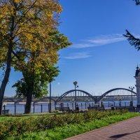 Осень в Рыбинске :: Alexandr Яковлев