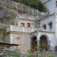 Дом для настоятеля монастыря :: Вера Щукина