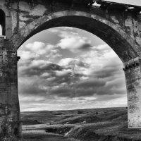 Арка старого моста :: Бронислав Богачевский