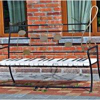 Музыкальная скамейка. :: Валерия Комова