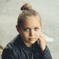 Маленькая взрослая Ди :: Оксана А.