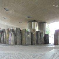 Камни под мостом :: Nina Yudicheva