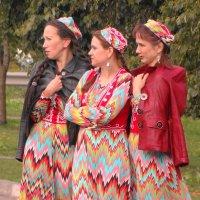 три девицы.... :: Михаил Жуковский