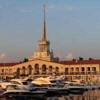Морской порт Сочи :: valeriy khlopunov