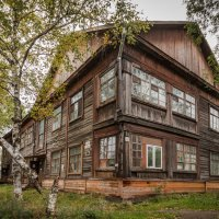 Мокрый дом... :: Сергей Щелкунов