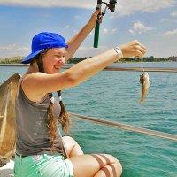 Ловись рыбка большая и маленькая. :: Алла ************